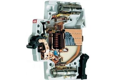 Автоматический выключатель просто и доступно